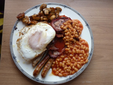 And the BEST EVER fry up! Note the Wedgewood plate...