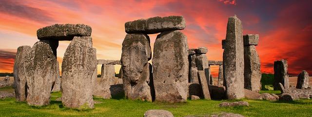 stonehenge-2371476_640
