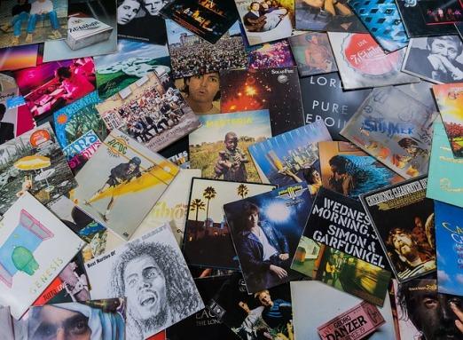 vinyl-2722233_640