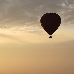 hot-air-balloon-ride-1029303_640 (2)