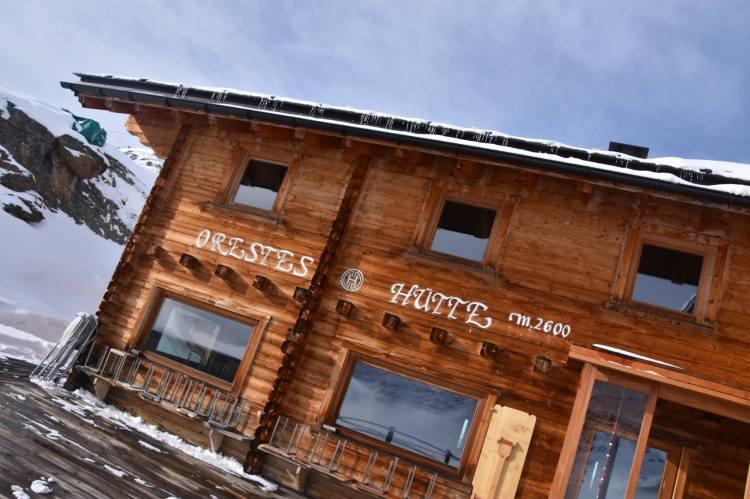 10th Feb 3aOrestes hutte.jpg