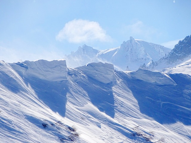 mountains-3236756_640.jpg