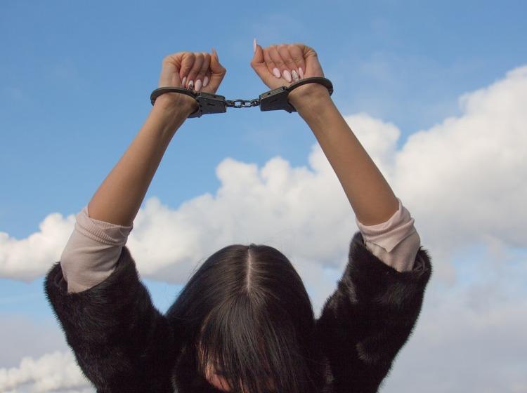 shackles-1875451_960_720.jpg