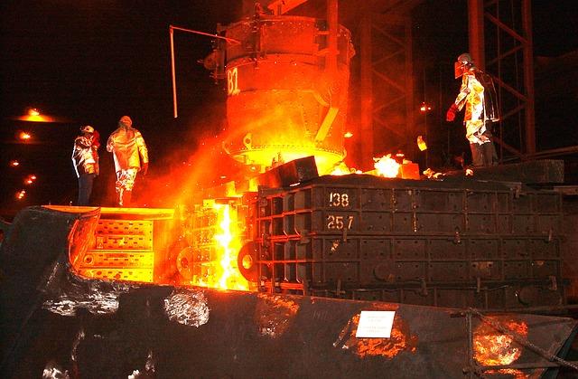 steel-mill-616536_640.jpg