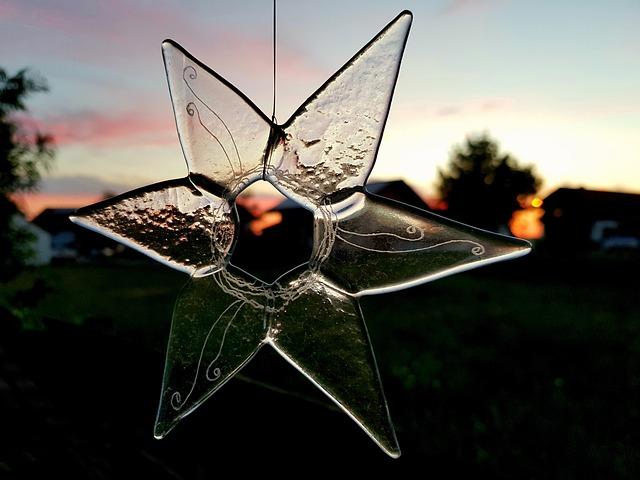 star-3385586_640