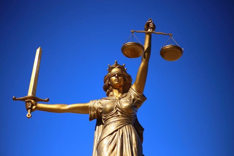 justice-2060093_1280.jpg