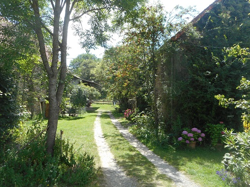 Paradise_Found_Camping_La_ Chassagne_ Ronnet (4)