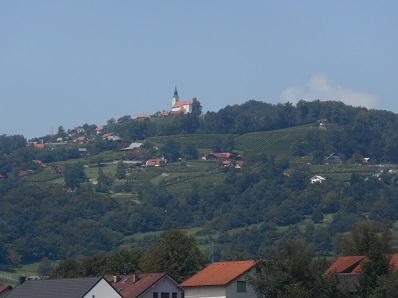 slovenia_hill_town