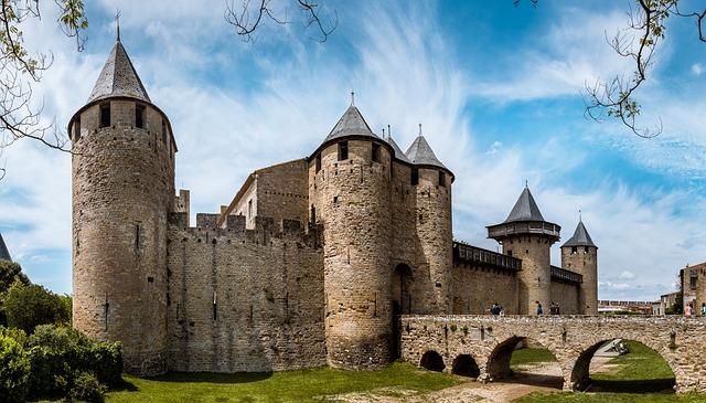 carcassonne-3458973_640