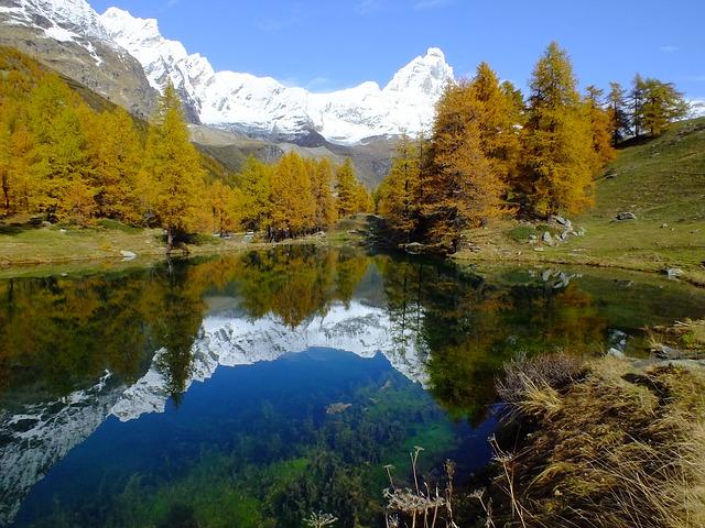lago-bleu-200433_640
