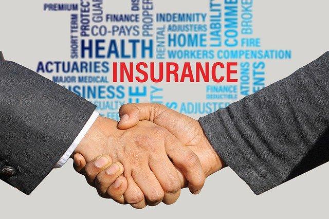 insurance-3113180_640