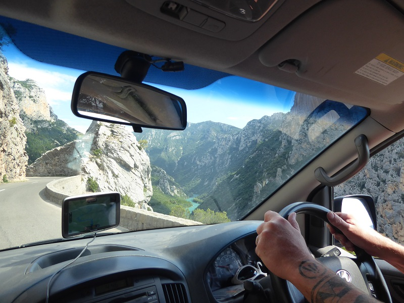 Driving_Gorges_Du_Verdon