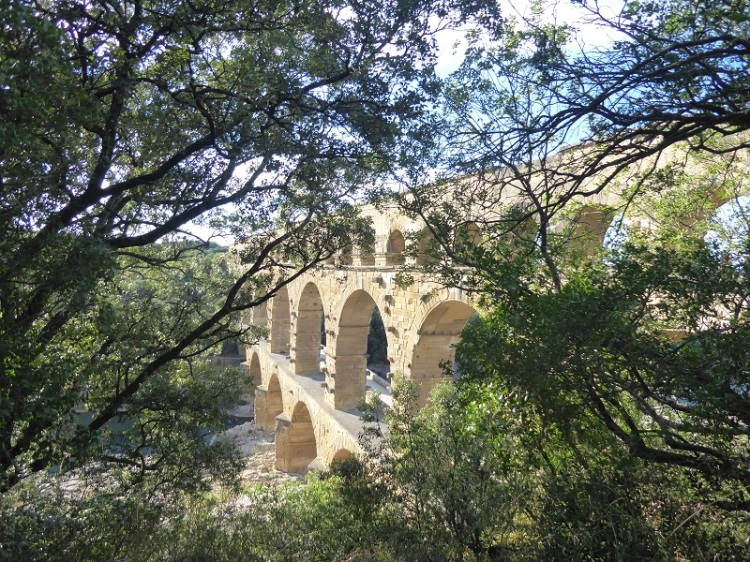 Pont_du_Gard_artistic