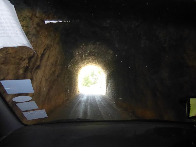 Tunnel_Driving_Gorges_du_verdon_with_Caravan