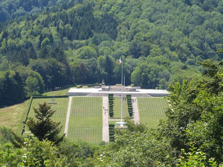 16 cemetery_Hartmanswillerkopf